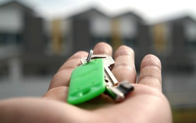 Vacation Rental Owners Ask: How Do I Get My Rental Keys to My Guests?